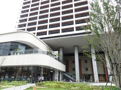 1階2階はレストラン等の商業施設です♪