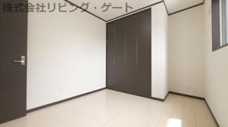 2階の5.2帖の洋室・クローゼット付きです。