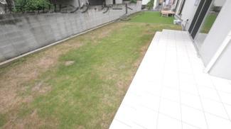 芝生の庭です。
