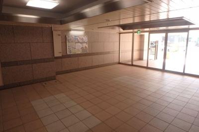 【エントランス】ミリオンコーポラスニュー白亜館