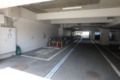 【駐車場】ミリオンコーポラスニュー白亜館