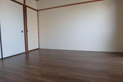 【洋室】ミリオンコーポラスニュー白亜館