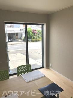 岐阜市守口町 2階建てを平屋に大改造した中古住宅 カーポート付きの駐車場 素敵な日本庭園 2方向から入れるトイレ 小屋裏収納・天窓あります。