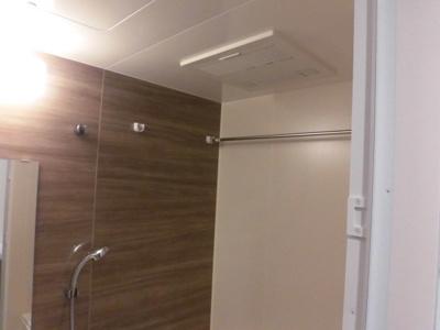 バストイレ別のお風呂、浴室乾燥機、追い焚き機能付き