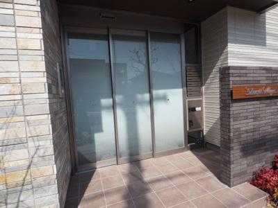 【ロビー】シャンヴィラージュ甲南山手駅前