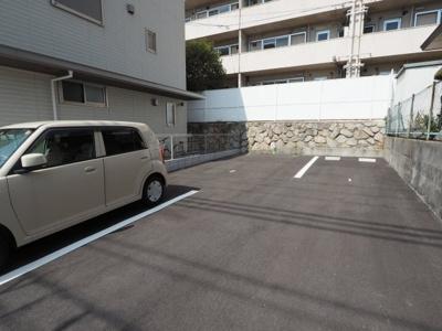 【駐車場】シャンヴィラージュ甲南山手駅前
