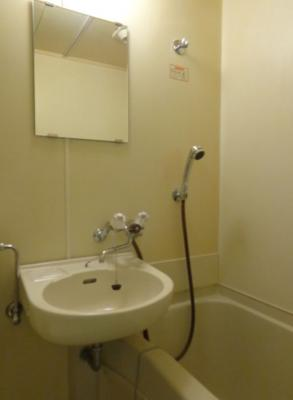 お風呂・洗面台・トイレ(同一仕様写真)