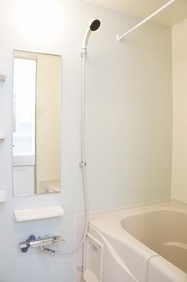 【浴室】サンリットガーデン