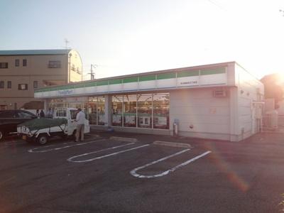 ファミリーマート今治郷桜井三丁目店(コンビニ)まで574m