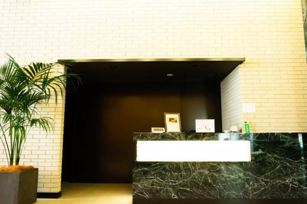 【エントランス】ホテルライクのようなコンシェルジュサービス。