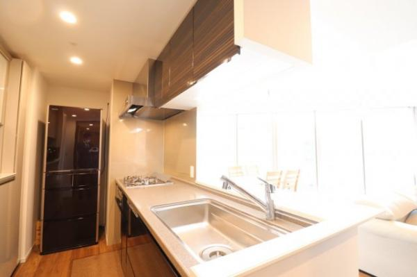 【キッチン】3.8帖のキッチンです!ディスポーザーや食器洗い乾燥機が付いており機能性◎!