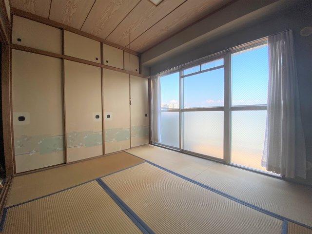 【エントランス】小阪オリエントハウス ☆南向き、角部屋
