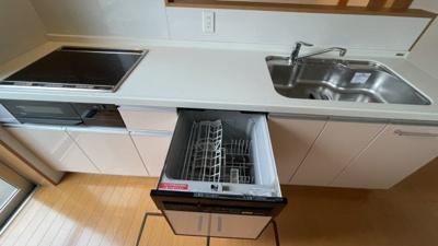 食器洗浄機つきなので後片付けにも便利です。