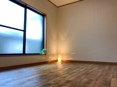 ≪バルコニーに面した洋室≫ バルコニー側の6帖の洋室です♪約3帖のウォークインクローゼットがあります♪