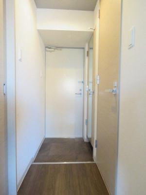 【玄関】スペチアーレ伏見WEST