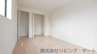 2階6.7帖洋室