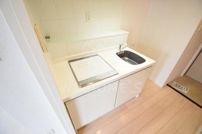コンパクトなキッチンで掃除もラクラク