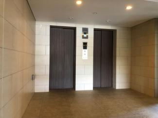 ツインエレベーター