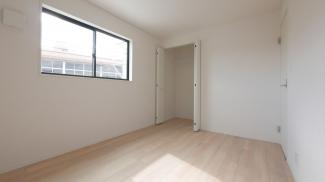 2階6.0帖の洋室