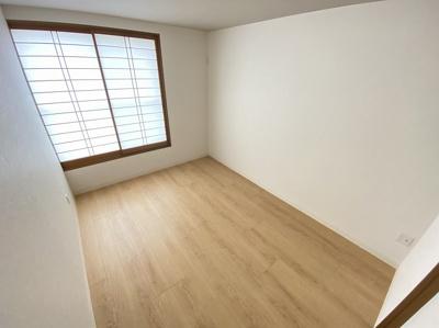 「2階洋室3」障子がありますので、少し和の雰囲気を感じる洋室です