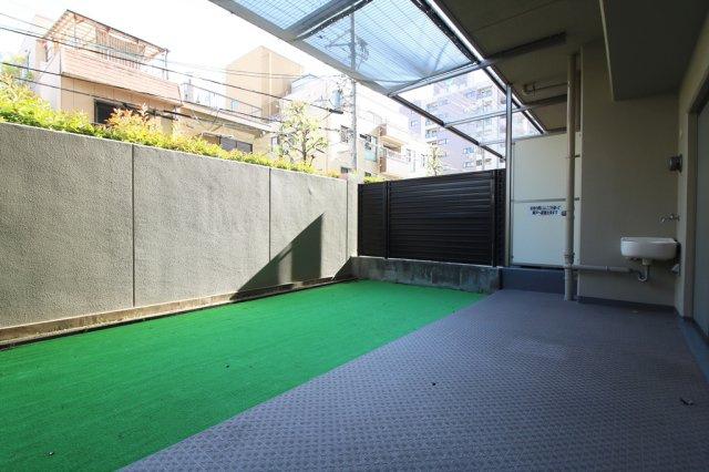 【庭】ローレルコート緑橋