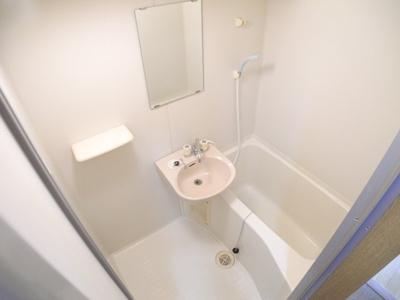 【浴室】アディール・カネガエ
