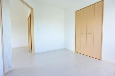 ※イメージ 落ち着いた色調の洋室です