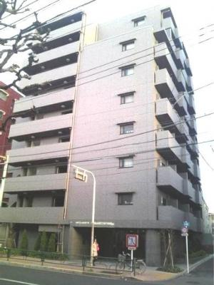 9階建てのマンションです★
