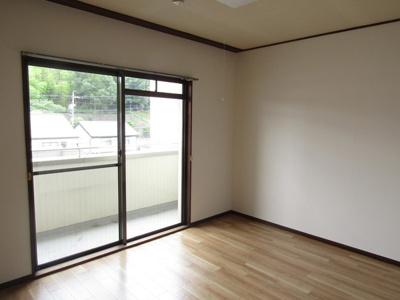 【居間・リビング】幸福第一ビル