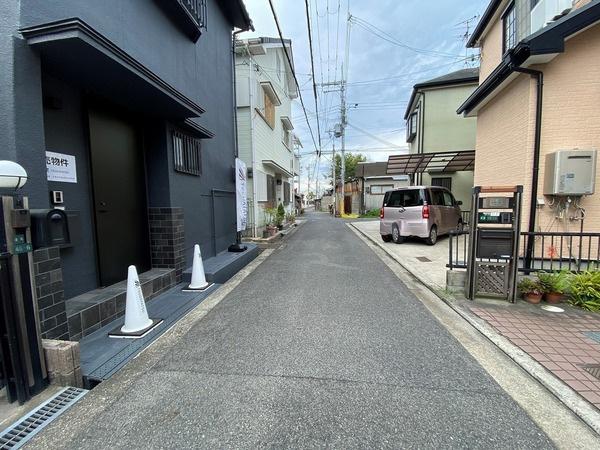 周辺は住宅街になっており車通りも少ないです♪