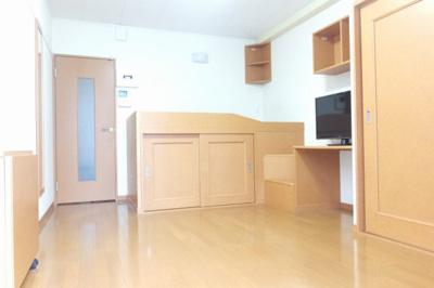収納スペースが多いお部屋です。