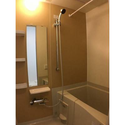 【浴室】コリーヌ・デ・スリジェ