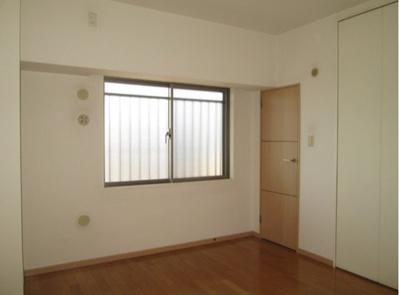【寝室】シュロス台東根岸