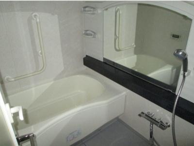 【浴室】シュロス台東根岸