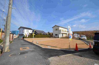 当社施工例 リビング階段 スリット(スケルトン)階段は自然光を室内奥まで届けます