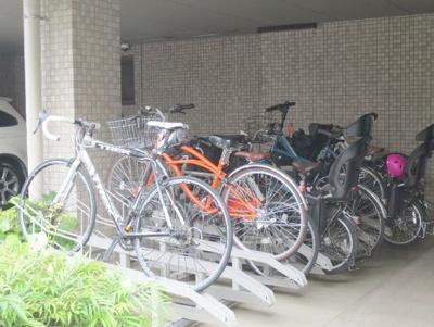 ルクラス目黒の駐輪場です。