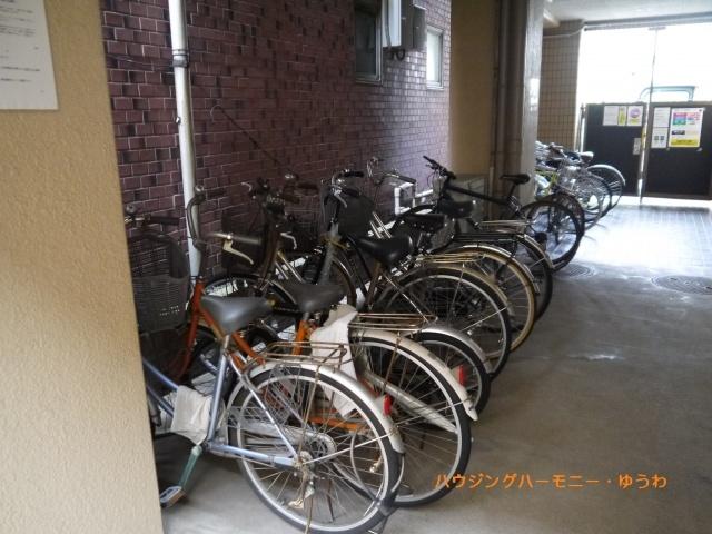 建物内に、便利な駐輪場があります。