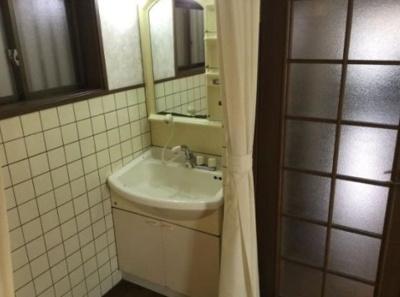 【洗面所】神戸市垂水区上高丸3丁目 中古戸建 収益
