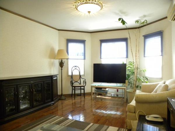 【居間・リビング】多摩美2丁目 輸入中古住宅