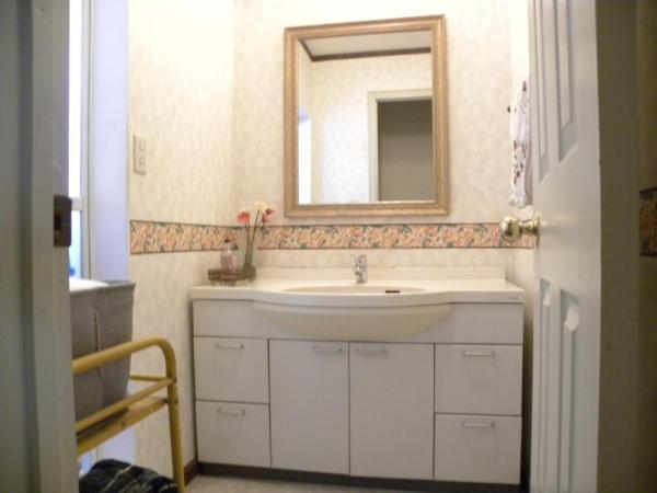 【独立洗面台】多摩美2丁目 輸入中古住宅
