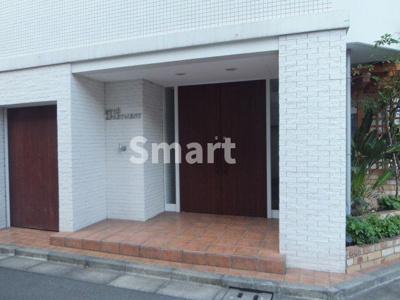 【エントランス】リュウズアパートメント