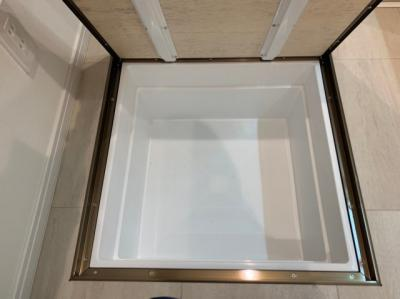 洗剤などをストックしておける便利な床下収納です。