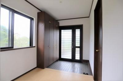 開放感のある広い玄関は素敵な一日を期待させてくれます!
