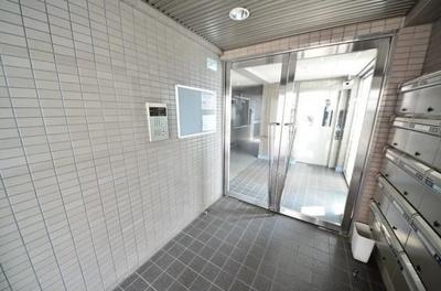 ルーセント方南町 三都市アース桜上水店 TEL:03-3306-1800
