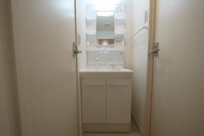 便利さ重視の洗髪洗面台