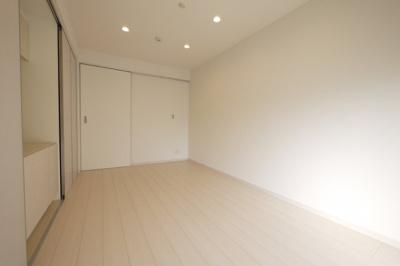明るい色合いでお部屋が広く感じます