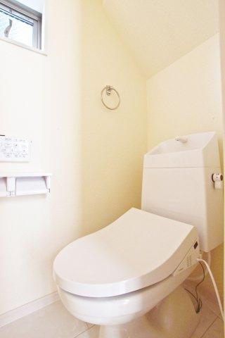 -同社施工例- WICございます。 各居室にも収納がございますのでお部屋がスッキリ片付きます。