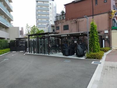マンション敷地内にある駐輪場です。