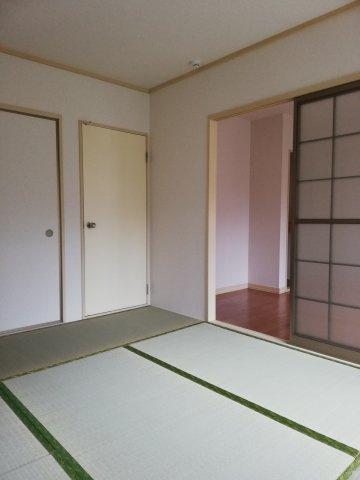 お料理しやすいキッチンです!(写真は202号室)