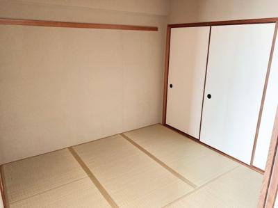 日本らしい落ち着いた雰囲気の和室です。4.5帖です。